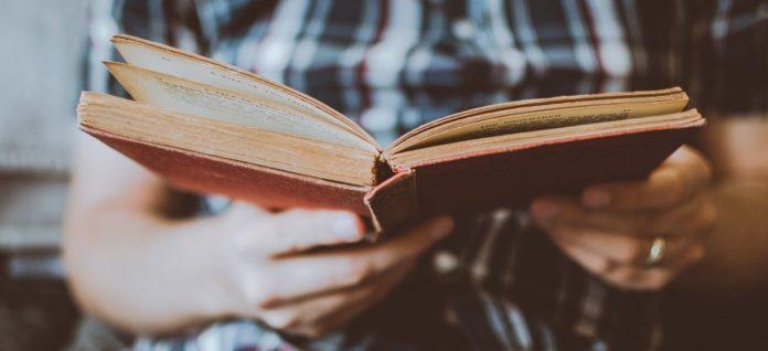 Crescono i lettori in Italia nel 2020. L'indagine Cepell-Aie